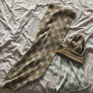 Michael kors scarf & hat